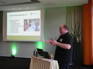 Axel Bethke bei der 10-Jahres Präsentation